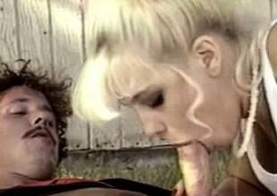 Barbi Dahl - Famous Retro Pornstar Having Hook-up Outdoor