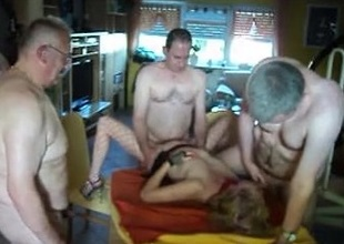 5 mature individuals with chick