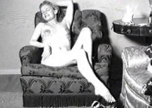 Vintage porn video of a lady in blossom
