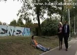 Moglie Infedele e Vogliosa  Italian Wife cuckolds soft-pedal