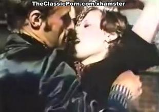 Amazing blowjob for retro lass at digs